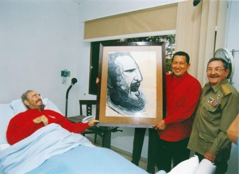 Fidel enfermo delega el poder al Raúl, Chávez en el medio del tránsito de un castrismo a otro