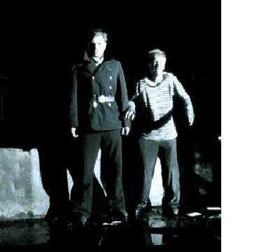El capitán Tijon y el marino Anatoly son arrestados por los nazis