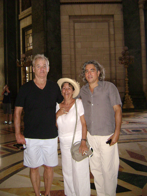 Otro de los amigos de Benicio llegados en estos días a la capital de Cuba es el casafantsma Bill Murray (primero a la izquierda) quien recientemente recuperó la gloria en Perdido en Tokio, donde interpreta a alguien muy parecido a sí mismo.Fotografía: Mayra Gómez Fariñas