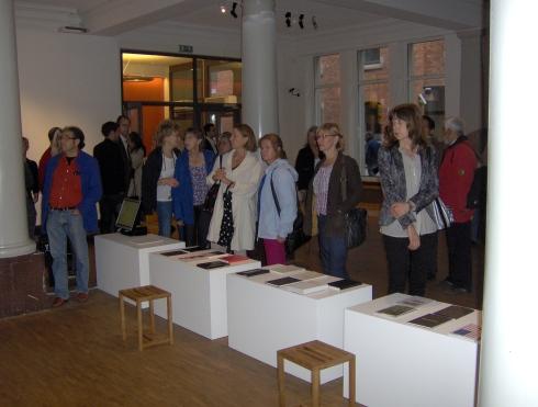 Público asistente a la exposición. Foto: Carlos M. Estefanía
